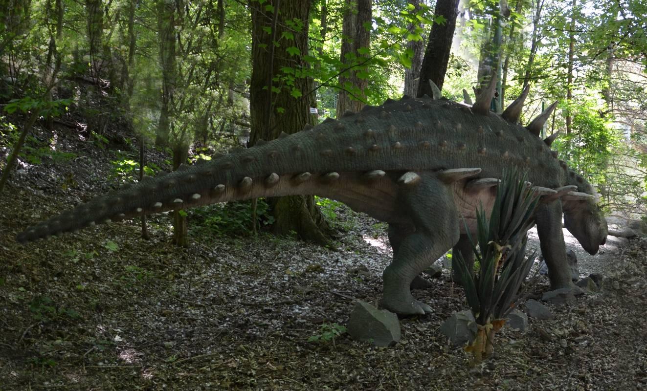 Polacanthus - býložravý dinosaurus